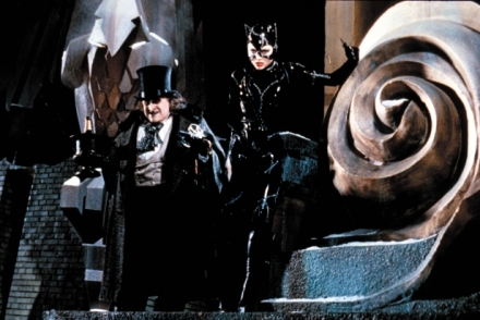 513341-96678_batman_returns_movie_stills_ccbn_20_122_521l-616x412