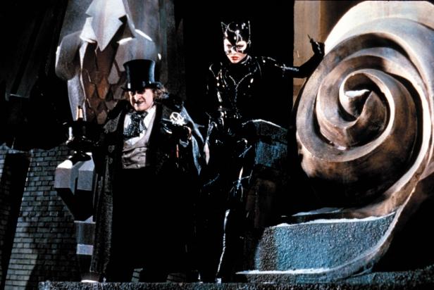 513341-96678_batman_returns_movie_stills_ccbn_20_122_521l-616x412
